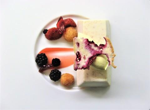 Brocken summer pudding